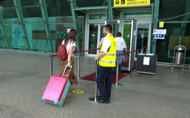 Rinas Airport publishes some information for passengers traveling to Italy