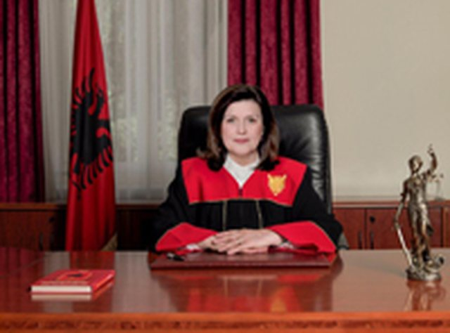 Gjyqtarët e Kushtetueses që kanë në dorë