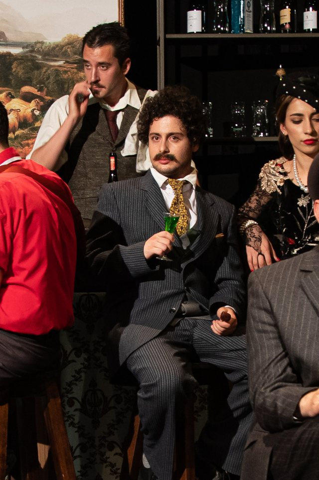 """""""Picasso and Einstein in a bar in Paris"""", opens the artistic theater"""