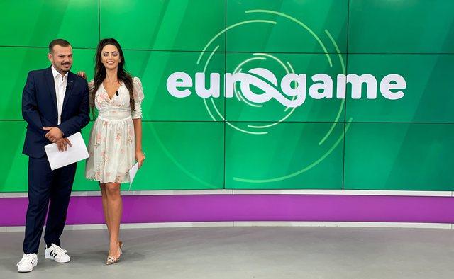 Lei Kraja also wears the Euronews jersey!