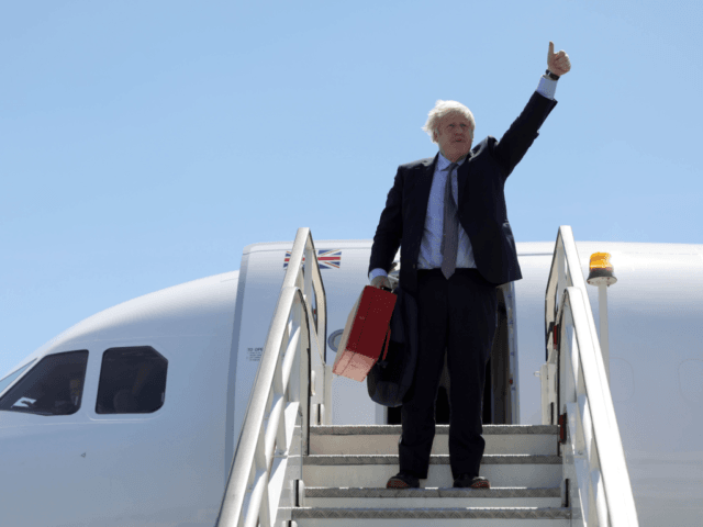 G7 to focus on ecology / Boris Johnson criticized for traveling by plane rather