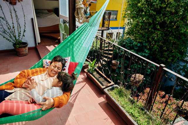 Airbnb offers you the opportunity to live anywhere, for free for a year. How to