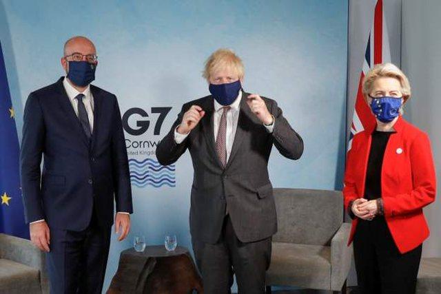 """Liderët e G7 i bëjnë """"presion"""" Johnson që"""