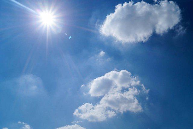 Temperaturat deri në 31 gradë sot, por në disa zona do ketë