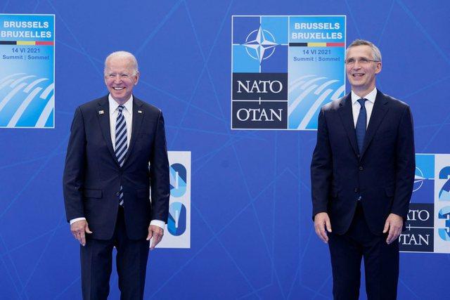 Pas distancimit të Trump, Biden i rikonfirmon aleatëve të NATO: