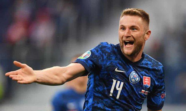 Polonia zhgënjen në përballjen kundër Sllovakisë! Milan