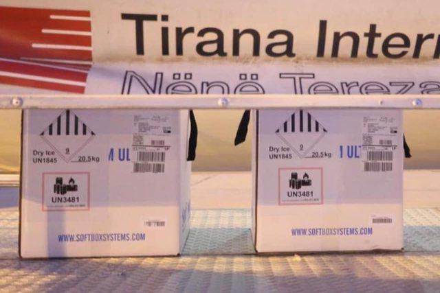 Mbërrijnë edhe 11.700 doza Pfizer në Rinas! Gati 1 milion vaksina
