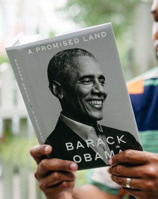 Pesë librat që Bill Gates sugjeron të lexoni këtë