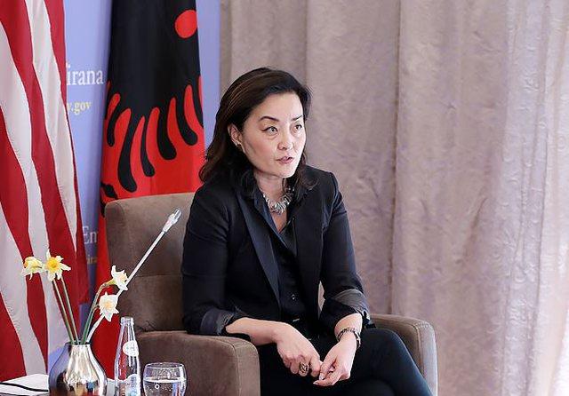 Yuri Kim pas arrestimit të kryebashkiakut Lushnjë: Mendoni se jeni