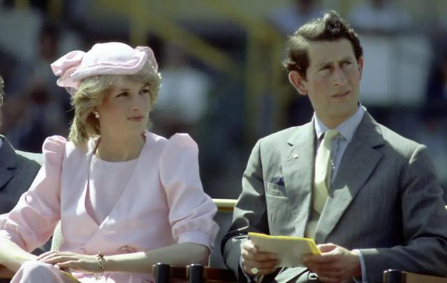 Si e kuptoi fotografi mbretëror që Charles dhe Diana po ndaheshin,