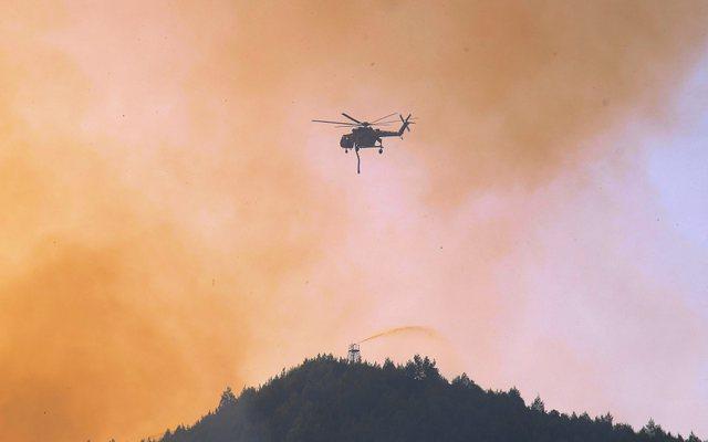 Foto/ Beteja kundër zjarrit në Greqi: Forcat e Armatosura do i
