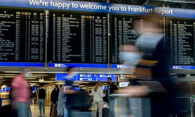 BE rekomandon rikthimin e rregullave të karantinës për