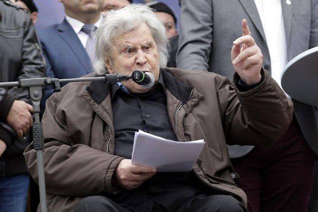 Greek composer and politician Mikis Theodorakis dies