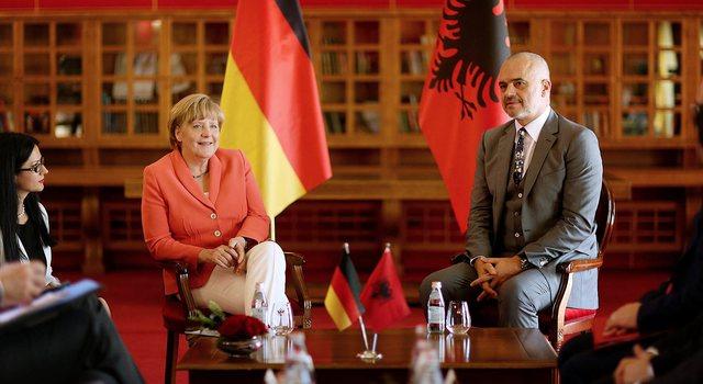 Merkel's visit to Tirana tomorrow diverts car traffic on several roads: