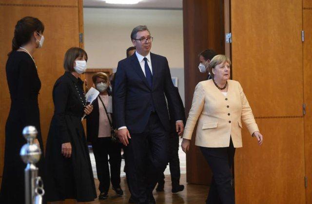 Merkel nga Beogradi: E kemi qëllim anëtarësimin, por Ballkani ka