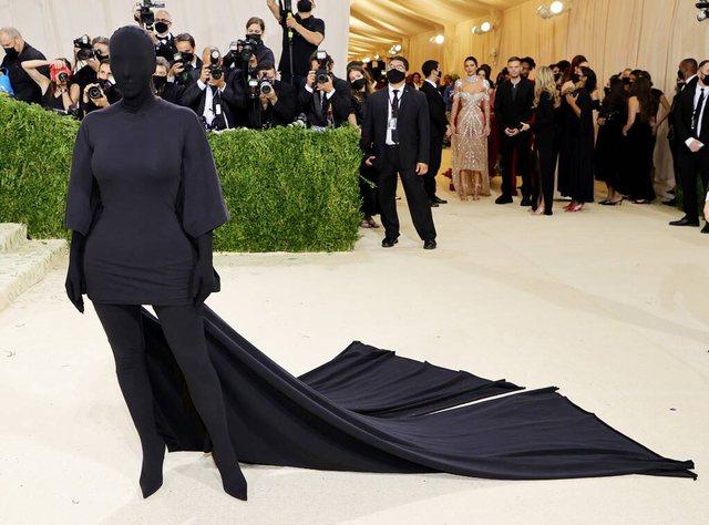 A është Kanye burri misterioz që shoqëroi Kim Kardashian