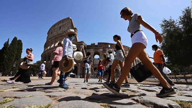 """Italia bën të detyrueshme """"Pasaportën Jeshile"""""""