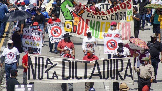 Shpërthejnë protesta në El Salvador kundër
