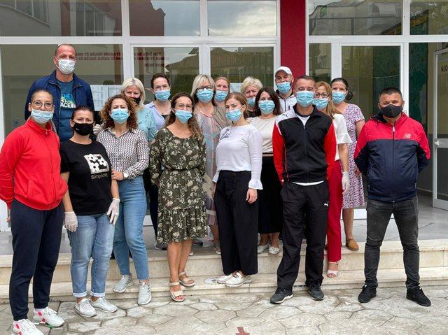 Foto/ Dita Botërore e Pastrimit bashkon të rinj, mësues dhe