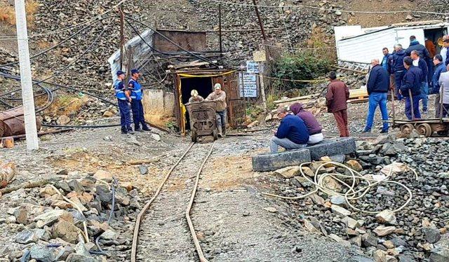 Asnjë gjurmë nga minatori i bllokuar prej 72 orësh në