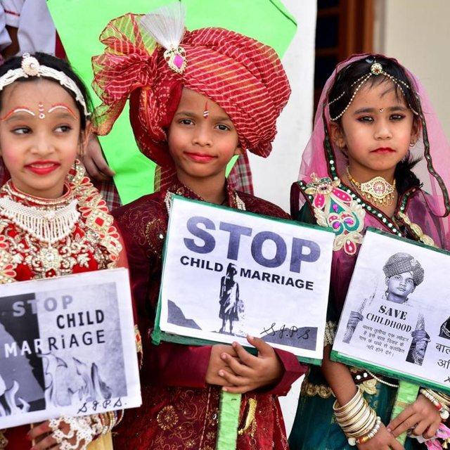 Ligji i ri në Filipine ndalon martesat e vajzave të mitura,