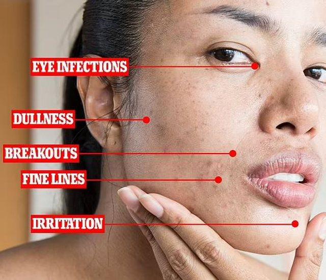 Çfarë i ndodh lëkurës kur rrimë gjatë me makeup:
