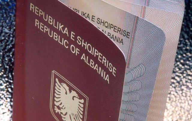 Dokumenta të falsifikuara për të shkuar në Bolonja,