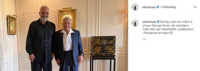 Rama nga New York poston foton me George Soros dhe një shënim