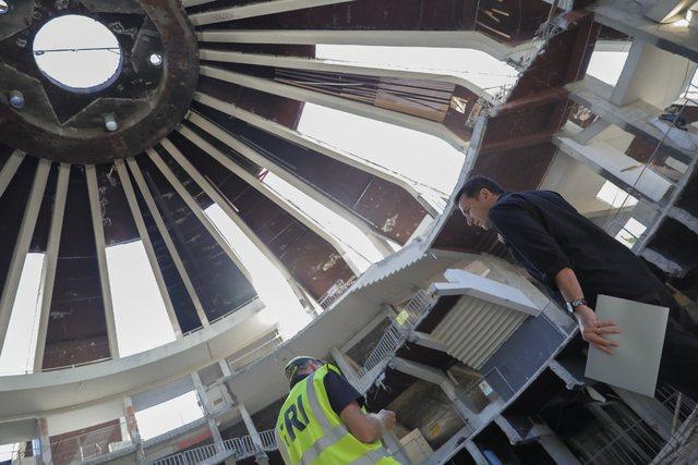 Kryebashkiaku dhe arkitekti i njohur Winy Mass inspektojnë ecurinë e