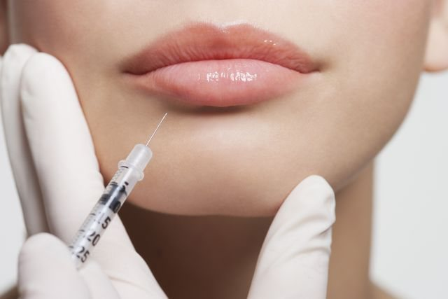 New law in England forbids this age group to do Lip Filler or Botox: They are