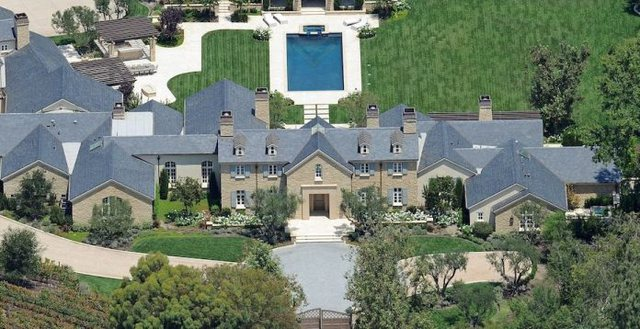 Following the divorce, the $ 60 million villa was acquired by Kim Kardashian