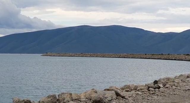 Trupi i pajetë që u gjet në Vlorë i përket