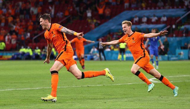 Spektakël me 5 gola ndeshja e mbrëmjes, fiton Holanda