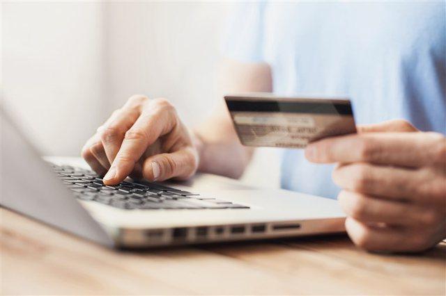 Blerjet online pa TVSH deri në 22 euro. Pse nuk do të rritet pragu?