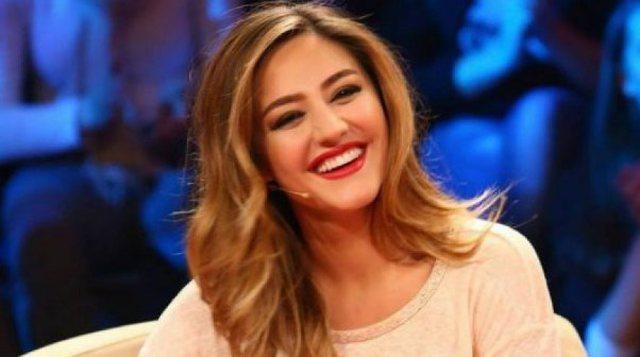 Bieta Sulos breaks back live on the show, the moderator