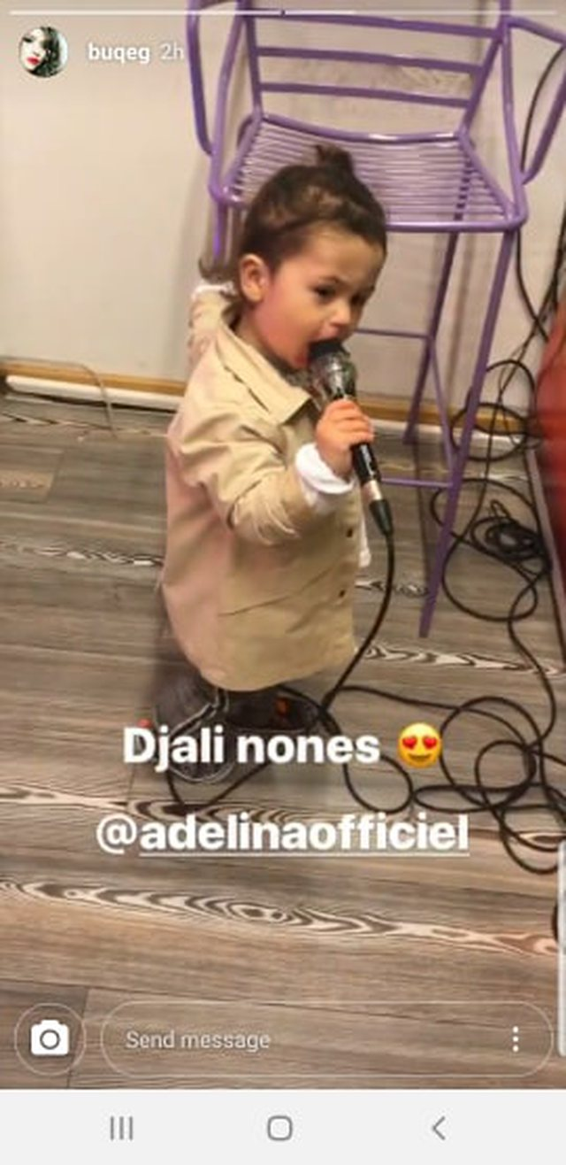 We did mama to like you, Adelina Ismail's son entertains guests singing