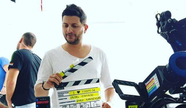 Emocionohet Ermal Mamaqi në skenën e xhirimit, luan në film bashkë me  djalin – Kids' Time