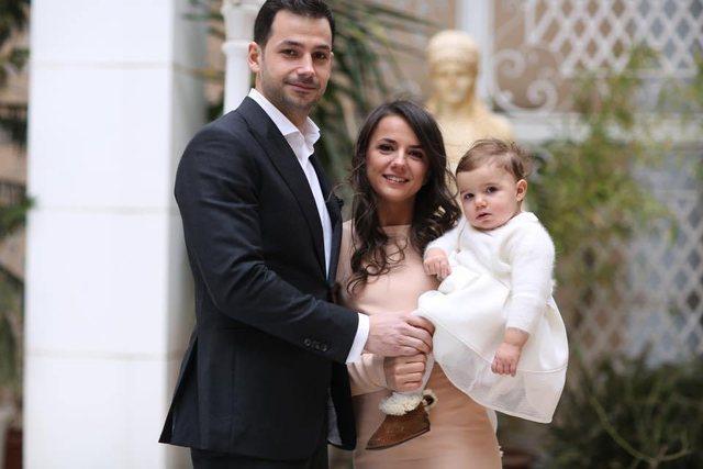 Rudina Hajdari, jashtë politikës. Njohja me bashkëshortin, dasma në New York dhe lindja e Sihanës