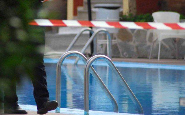 Ju mbyt vajza 4-vjeçare në pishina në Greqi, babai shqiptar